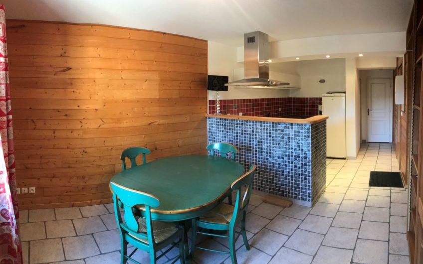APPARTEMENT T4 RÉNOVÉ DE 68,40 m² AVEC UN BALCON