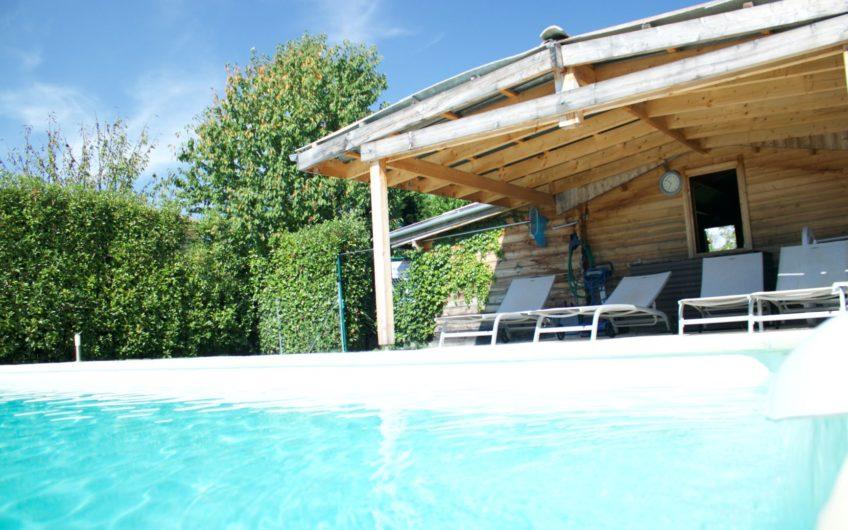 Belle Propriété de 550 m² avec piscine, dans un cadre calme et verdoyant.